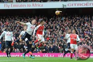 Penalti Kane bawa Spurs imbang di markas Arsenal