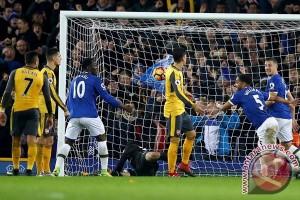 Williams bawa Everton taklukkan Arsenal