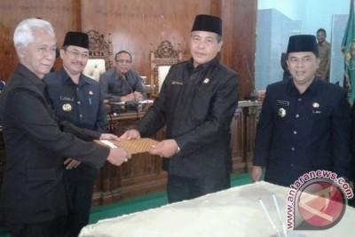 DPRD Rejang Lebong Umumkan Pemberhentian Ketua