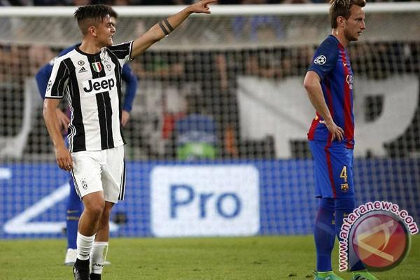 Dua Gol Dybala Bantu Juve Benamkan Barcelona