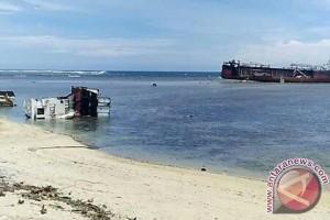 Lanal Hentikan Aktivitas Ekskavator Di Perairan Kaur