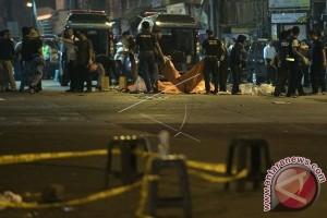 Polisi Korban Bom Dimakamkan Di Kampung Halaman