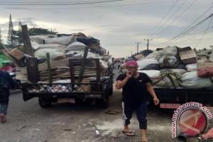 DLH Kerahkan Sembilan Armada Angkut Sampah Lebaran