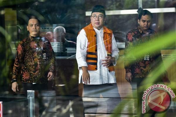 KPK Kenakan Gubernur Bengkulu Pasal Pencucian Uang