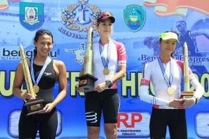 """Atlet Cantik Portugal Juarai """"Bengkulu Triathlon 2017"""""""