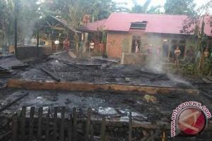 Pembangunan Dua Rumah Terbakar Selesai September