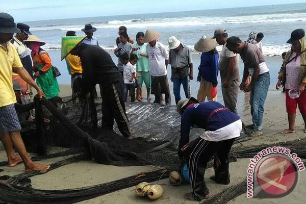 Ratusan Nelayan Mukomuko Terima Bantuan Asuransi