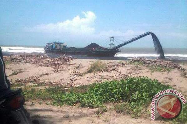 Bengkulu Memproses Penumpahan Batu Bara Di Laut