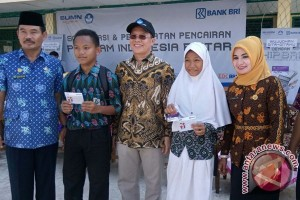 Tiga Juta Pelajar Cairkan Bantuan Indonesia Pintar