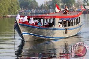 Perahu Antar Jemput Sekolah
