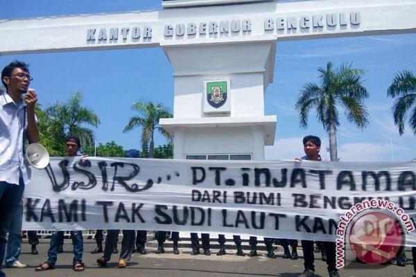 Aktivis Serukan Penghentian Operasi Pelabuhan PT Injatama