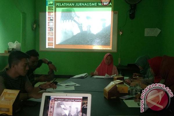 Pemuda Teluk Sepang Bengkulu Dilatih Jurnalisme Warga