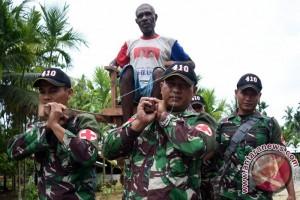 TNI Cek Kesehatan Warga Perbatasan