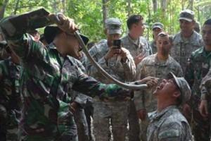 Luar Biasa... Prajurit Indonesia Ajari Tentara AS Bertahan Hidup