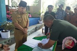 Rejang Lebong Hibahkan Pemancar Radio Untuk TNI