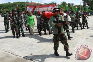 Kapolda Pimpin Upacara HUT TNI Di Bengkulu