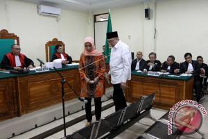 KPK Siapkan 30 Saksi Sidang Gubernur Bengkulu