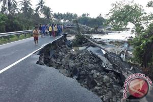 Dihantam Banjir Bandang !!! Rute Bengkulu-Lampung Dialihkan Lewat Liwa