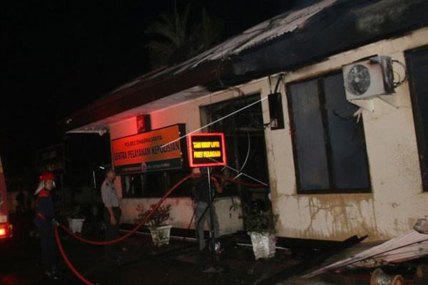 Pelaku Pembakaran Polres Dharmasraya Pedagang Es