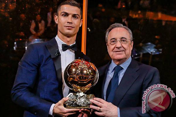 Ronaldo Raih Ballon d