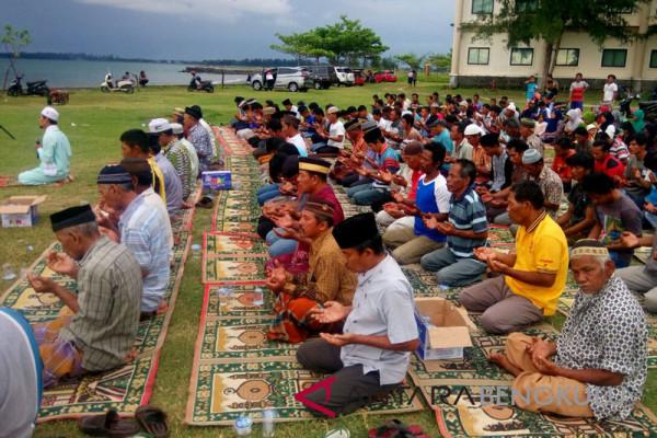 Nelayan Malabero doakan laut Bengkulu bebas trawl