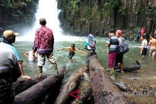 Pelajar tenggelam di Air Terjun Batu Betiang belum ditemukan