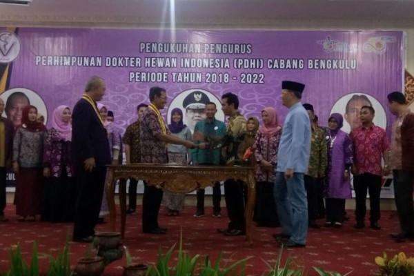 Gubernur minta PDHI Bengkulu kembangkan inovasi peternakan