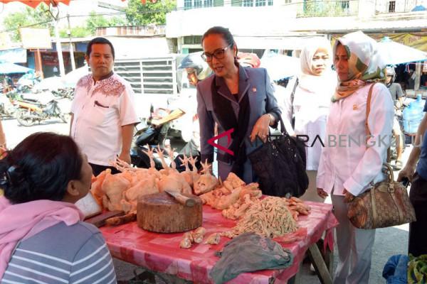 Harga ayam di Rejang Lebong Rp45.000/kg