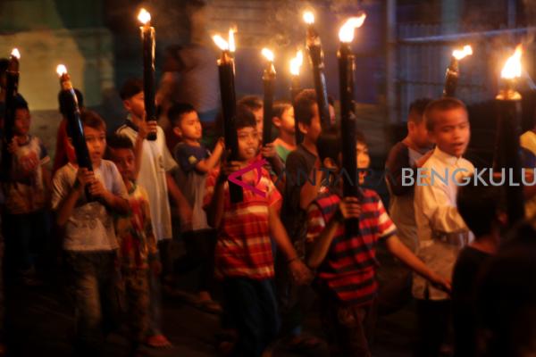 Obor dan dol sambut Idul Fitri di Bengkulu