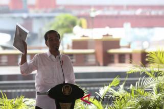 Jokowi disambut hangat warga Palembang