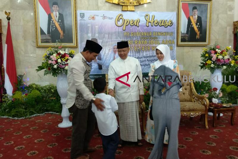 Gubernur: Idul Adha momentum peduli gempa Lombok