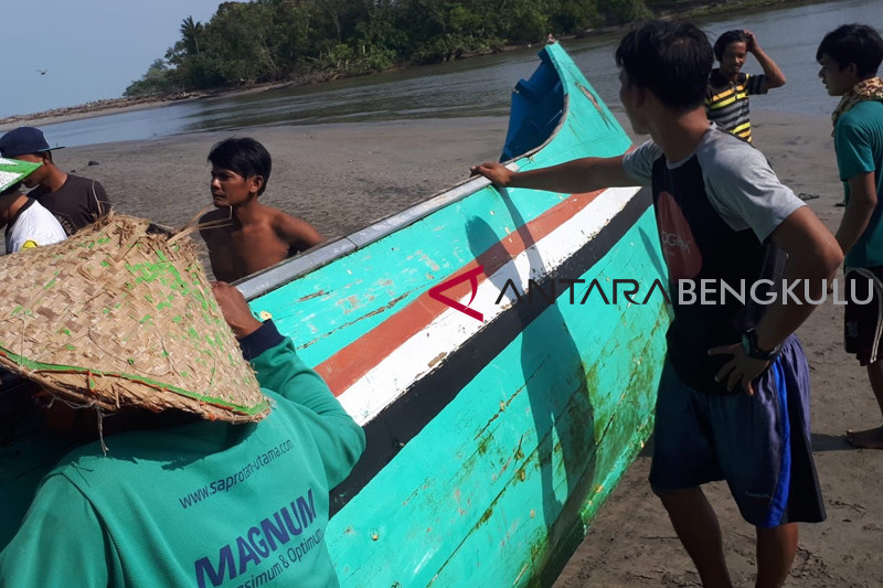Semua nelayan Mukomuko mendapat bantuan asuransi