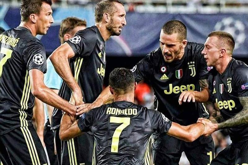 Wasit usir Ronaldo, Juve tetap menang vs Valencia