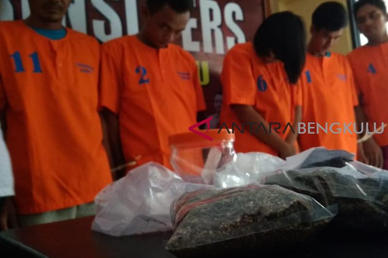 Kepolisian Bengkulu bekuk 10 pengedar narkoba