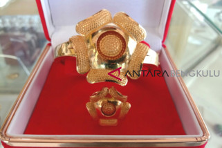 Perhiasan emas rafflesia Bengkulu tembus pasar mancanegara