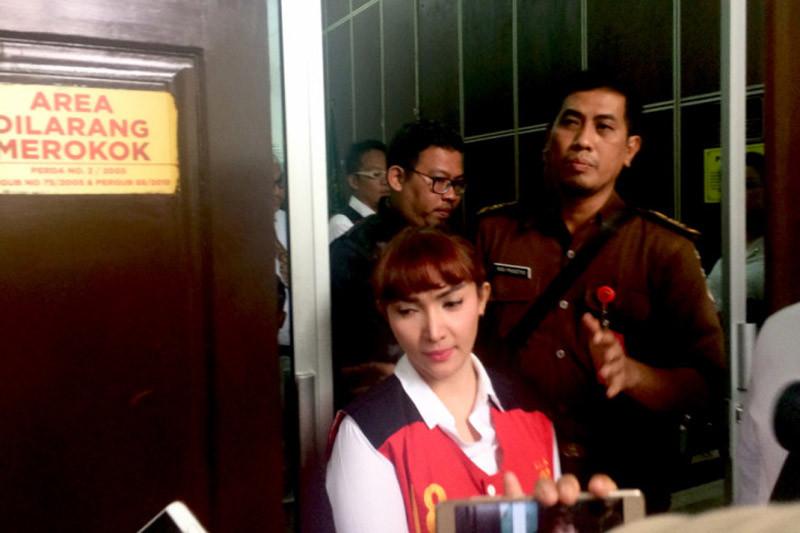 Jaksa kawal Roro Fitria hadiri pemakaman ibunda