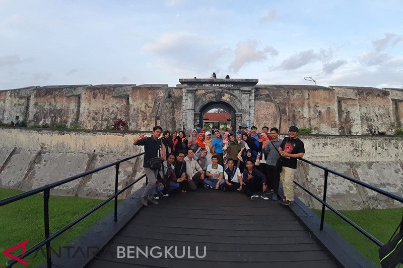 Berjalan kaki menelusuri bangunan bersejarah di Kota Bengkulu