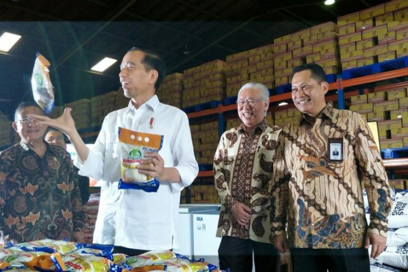 Presiden cek langsung stok beras di Bulog