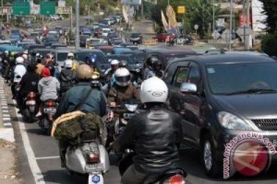150 Polisi Amankan Jalur Puncak Libur Imlek