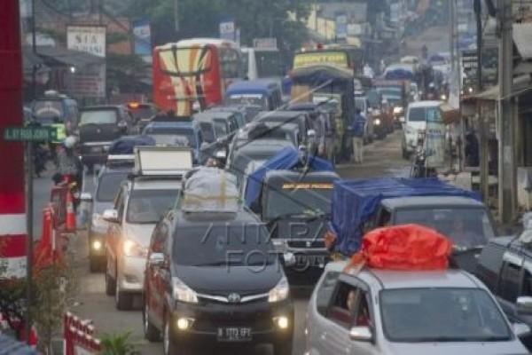 Jalan arteri alternatif hindari macet Tol Jakarta-Cikampek