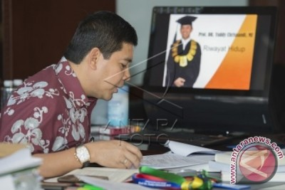 Yuddy Chrisnandi Guru Besar UNAS