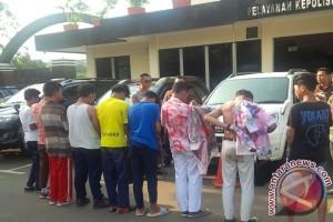 Polresta Bekasi Tangkap Pelajar Pelaku Coret-coret Pasca-UN