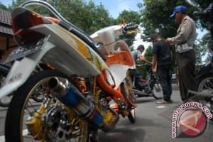 """Polres Karawang Janji Pidanakan Pemilik Motor """"Bodong"""""""
