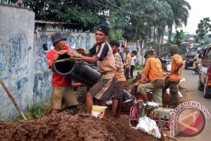 Purwakarta Bangun Pipa Air Bersih 40 Kilometer