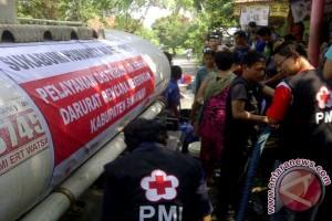 PMI Sukabumi Salurkan 10.000 Liter Air Bersih