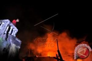 Dua Rumah Ludes Terbakar Saat Idul Fitri