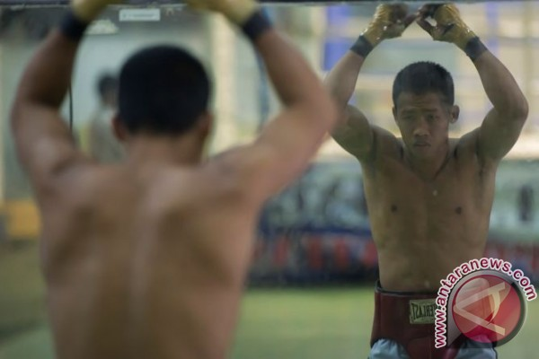Petinju Indonesia Daud Yordan meng-KO petinju Rusia