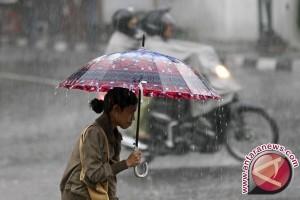 Hati- Hati...Bogor Berpotensi Hujan Disertai Angin Dan Petir