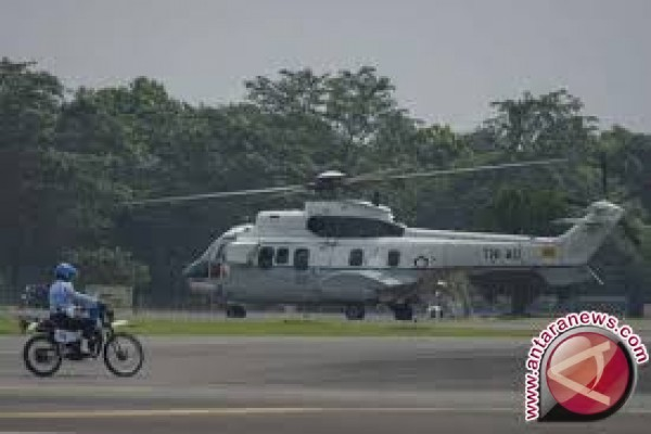 13 tewas tertimpa helikopter jatuh