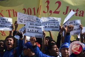 Buruh : SK Gubernur Terkait UMK Perlu Revisi